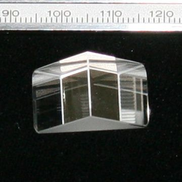 Right Angle Prism 22x16x13mm